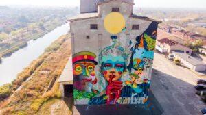 """Timișoara, """"Memoriile Cetății"""". Colaborare cu IRLO – Alex a realizat partea din centru-dreapta muralului"""